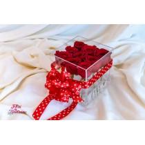 Cutie cu 9 Trandafiri Rosii