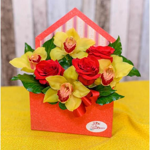 Plicul cu trandafiri rosii si orhidee