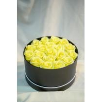 Aranjament cu 25 Trandafiri de sapun galbeni