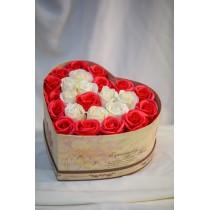 Aranjament 25 Trandafiri de sapun Albi si Rosii
