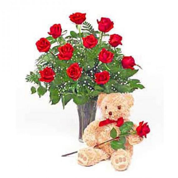 13 Trandafiri si o jucarie de plus