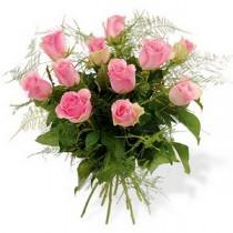 Buchet cu 11 trandafiri roz